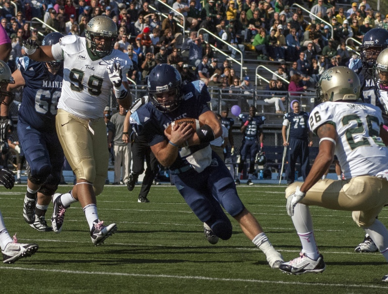 Maine rolled over W&M when the two teams last met in 2013, 30-24. [photo: The Portland Press Herald / Maine Sunday Telegram]