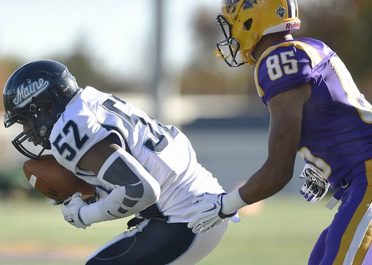LB Sterling Sheffield has a propensity for getting to the ball, and has been marked his name all across the stat sheet this season. (photo: dailygazette.com]